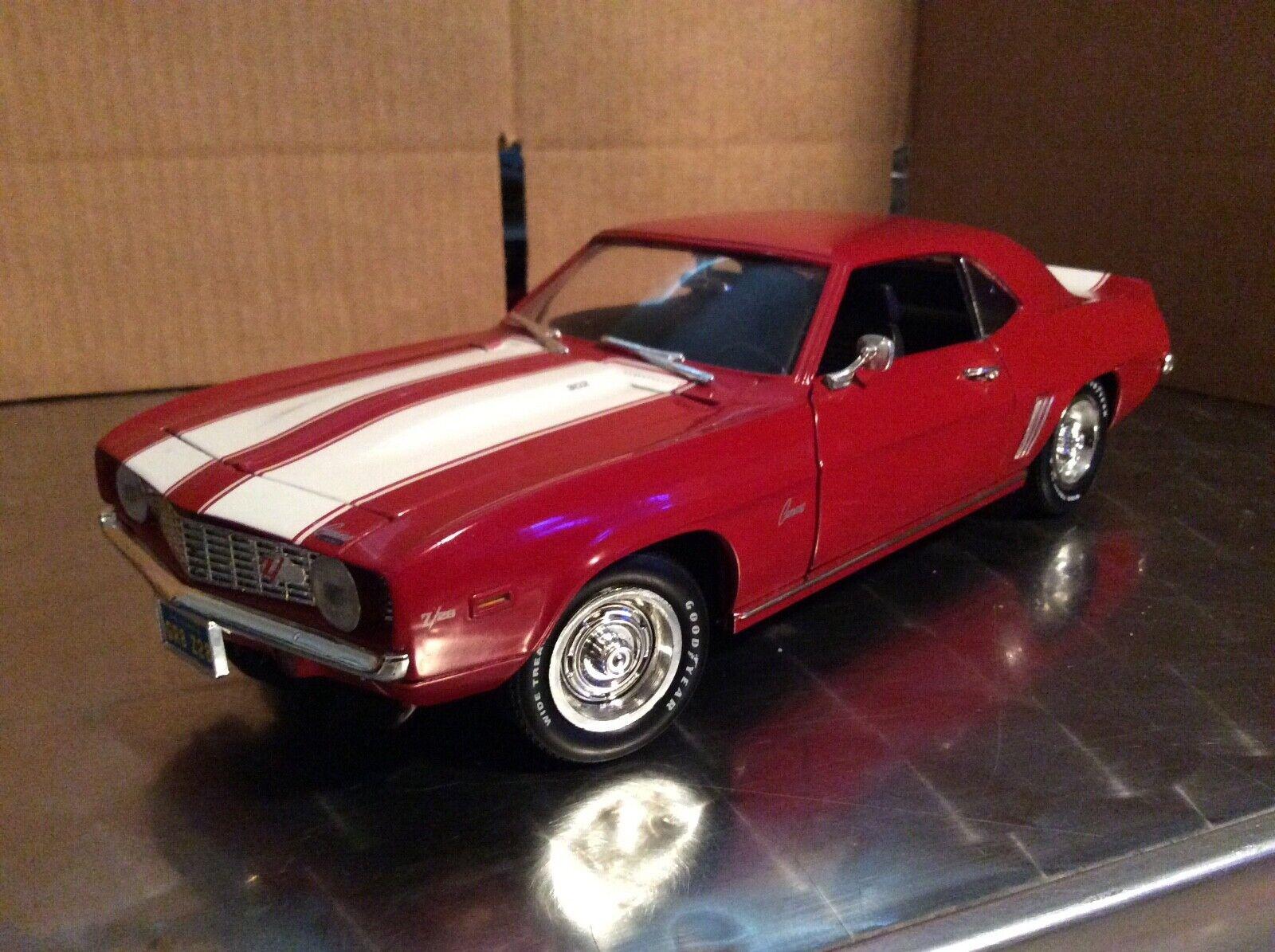 precios mas bajos 1969 Chevrolet Camaro Z 28 302 1 1 1 18 Ertl American Muscle Rally Ruedas Suelto  mejor calidad mejor precio