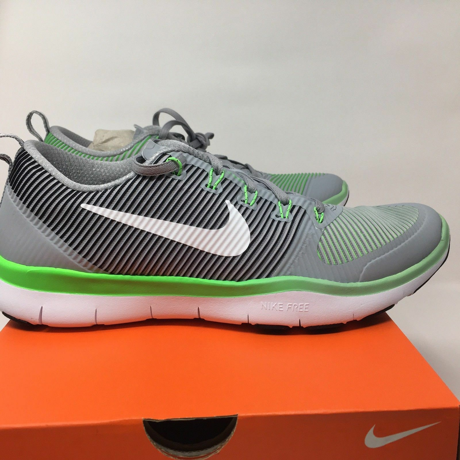 Men's Nike Free Train Versatility Training Shoes Wolf Grey.White.RageGreen Sz7.5 best-selling model of the brand
