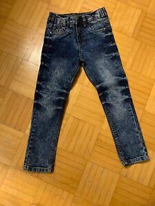 Jungen-Jeanshose-Gr-110-Mit-Motiv-Top-Neu