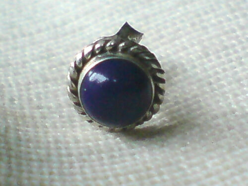 SINGLE STERLING SILVER ROUND 7mm.STUD EARRING with a LAPIS  STONE £5.50 NWT