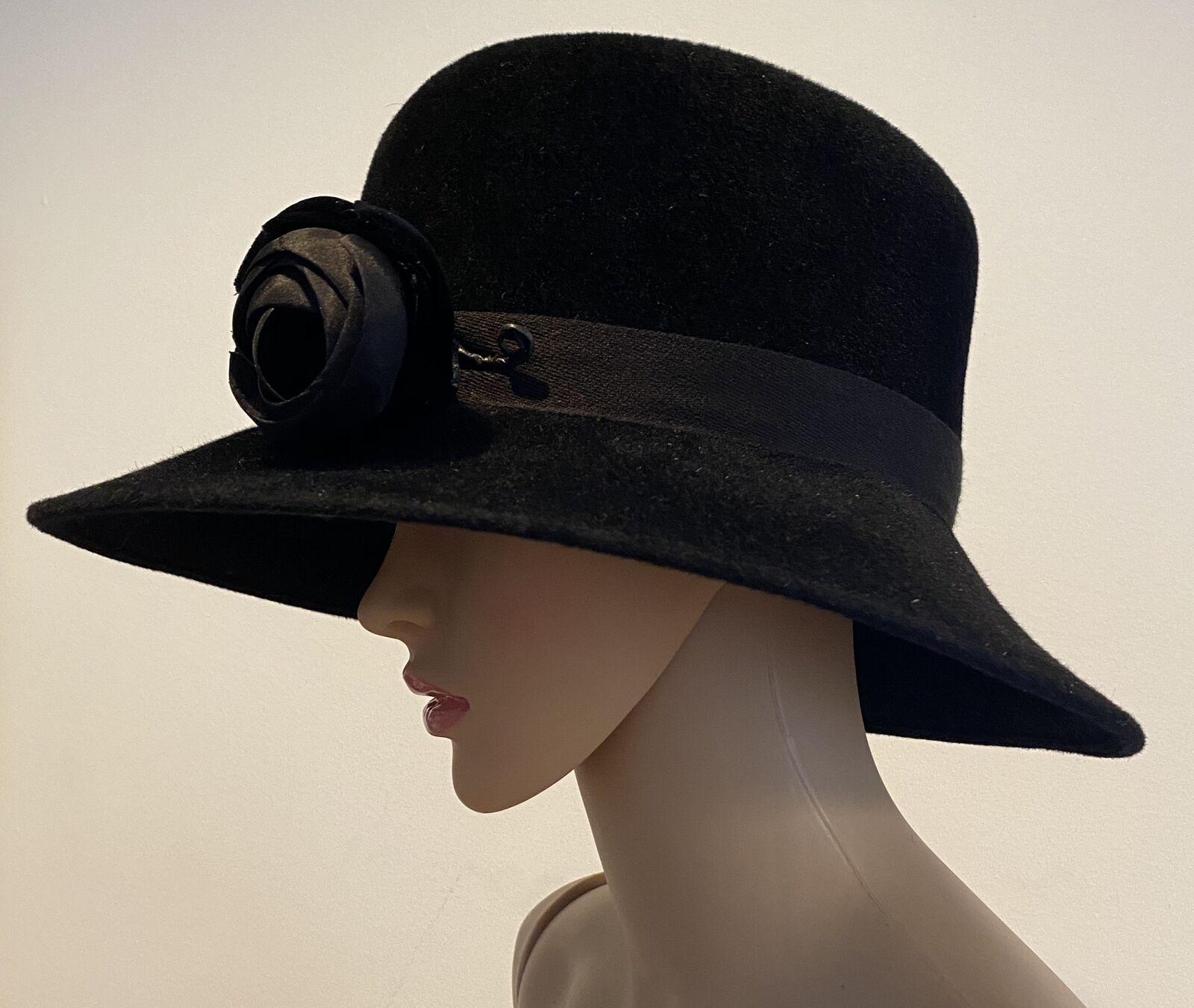 PATRICIA UNDERWOOD Black velour hat with rose  - image 2