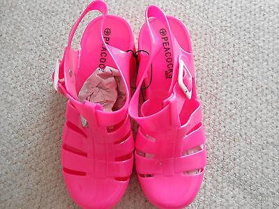 Gorgeous Niñas Rosa Jalea Zapatos, pavos reales, Bnwt, gran artículo de verano!