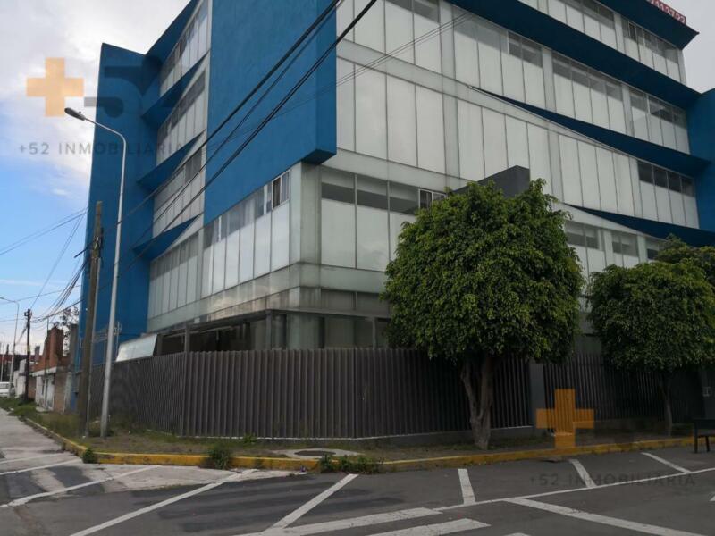 Edificio En Venta, Blvd Hermanos Serdan A Una Calle