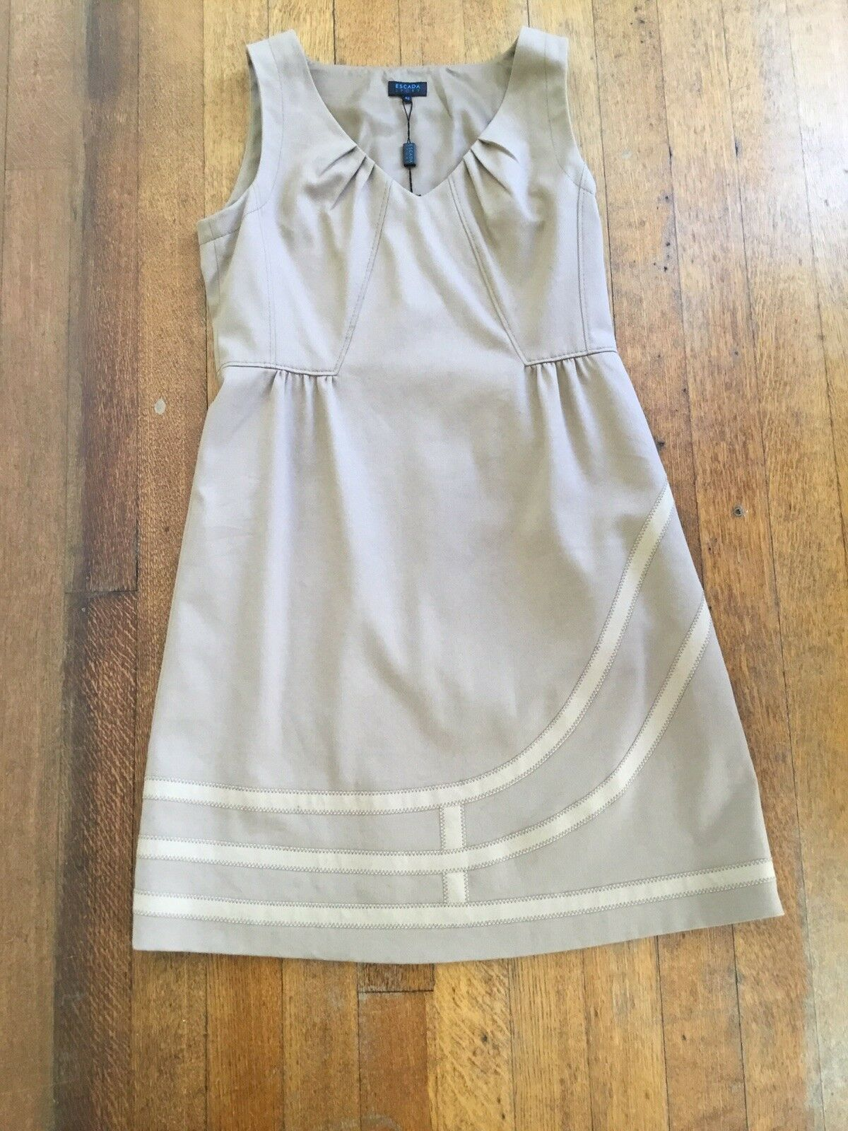 Escada Sport Dress Größe 42 BNWT