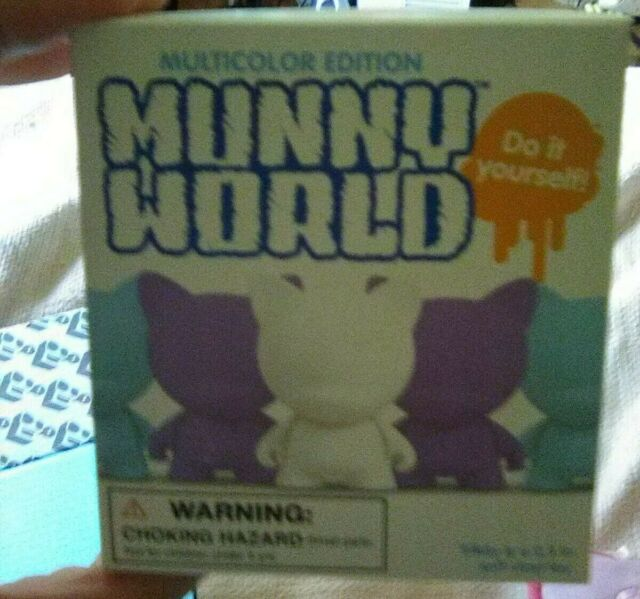 MunnyWorld Micro Trikky Multicolor Kidrobot Violet