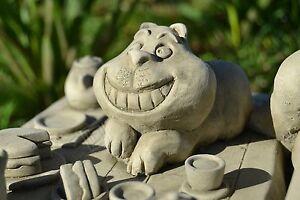 Alice-039-s-Adventures-in-Wonderland-Cheshire-Cat-Table-Stone-Garden-Ornament