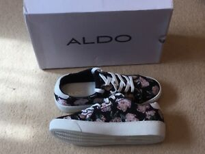 f5a2dc00ae1 Aldo Cavanna House Of Fraser Canvas black floral Trainers Size 5 ...