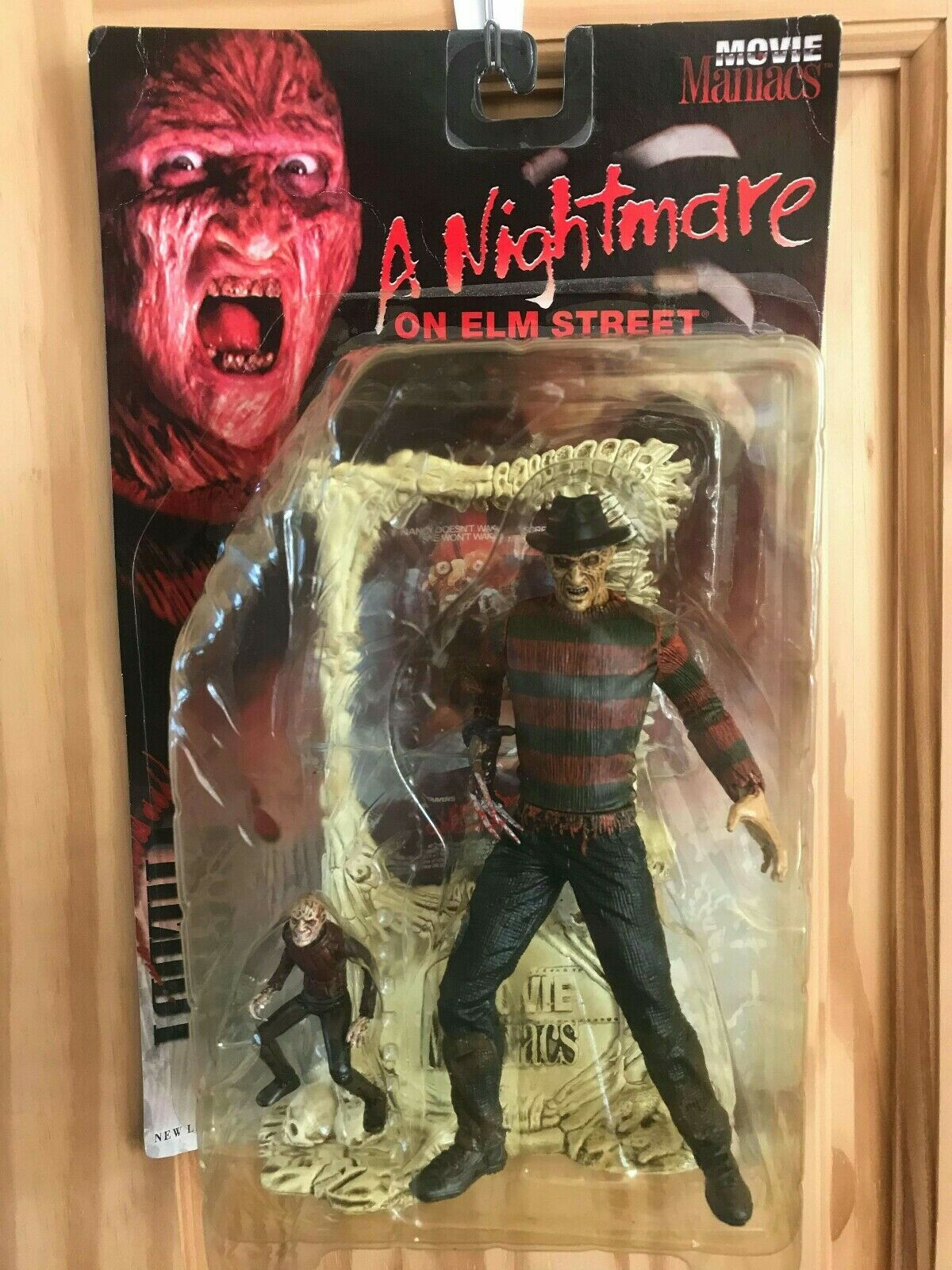 Frotdie Krueger Figure - 1998 McFarlane Movie Maniacs A Nightmare on Elm Street