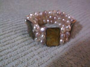 Stretch bracelet in vintage-style enamel beads