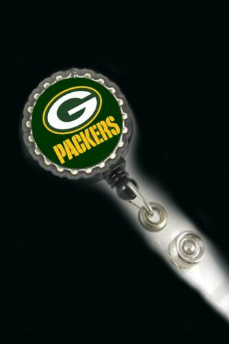Green Bay Packers  work Retractable Reel ID Badge Holder cna scrubs Nicu Lpn Rn