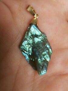 Solid-9ct-Gold-natural-very-fiery-rough-labradorite-pendant-only-No-necklace