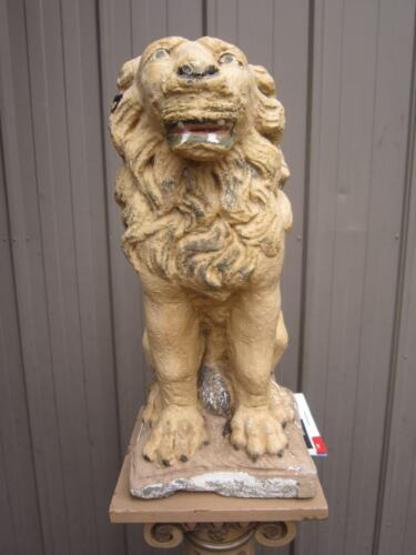 WONDERFUL VINTAGE CONCRETE SITTING LION STATUE WITH AGE PATENA & CHARACTER