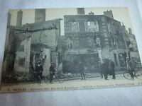Carte postale Senlis, rue de la République, septembre 1914, hôtel du nord animée