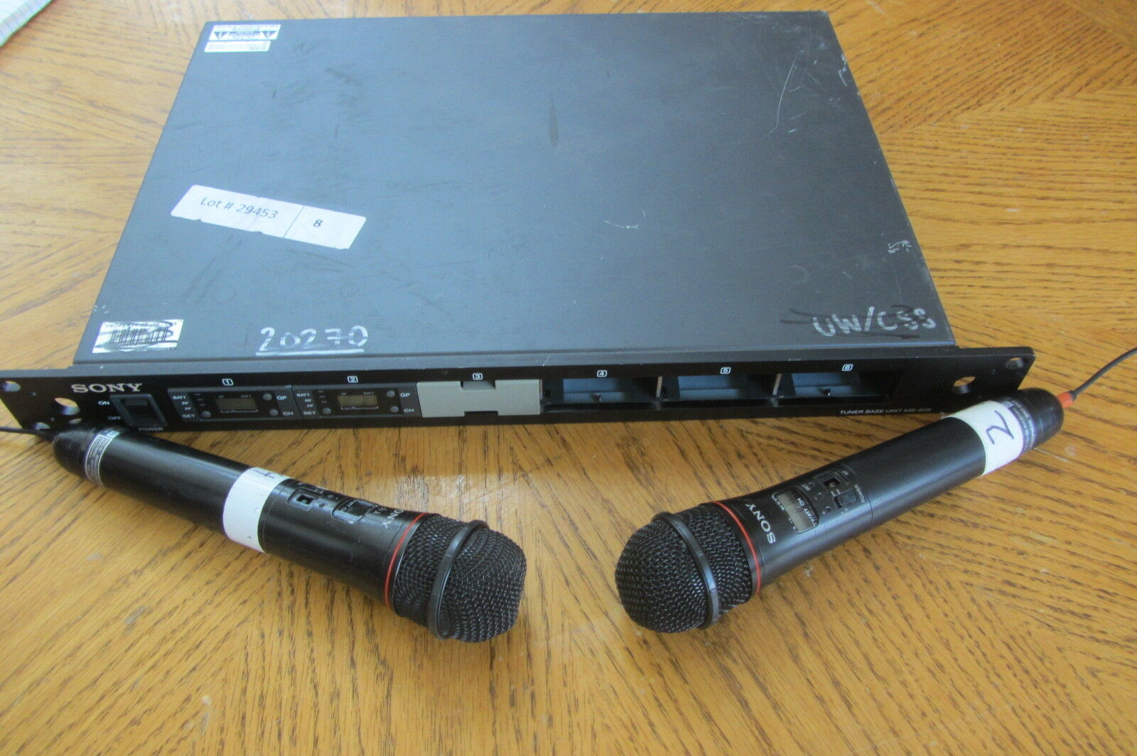 SONY LOT 242  2xWRT-810A MICROPHONES, MB-806 TUNER BOX, 2x WRU-801A RECEIVERS