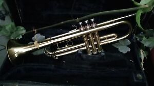 Vintage 1959 Conn Director Trumpet Coprion? Bell w/ Case & Booklet