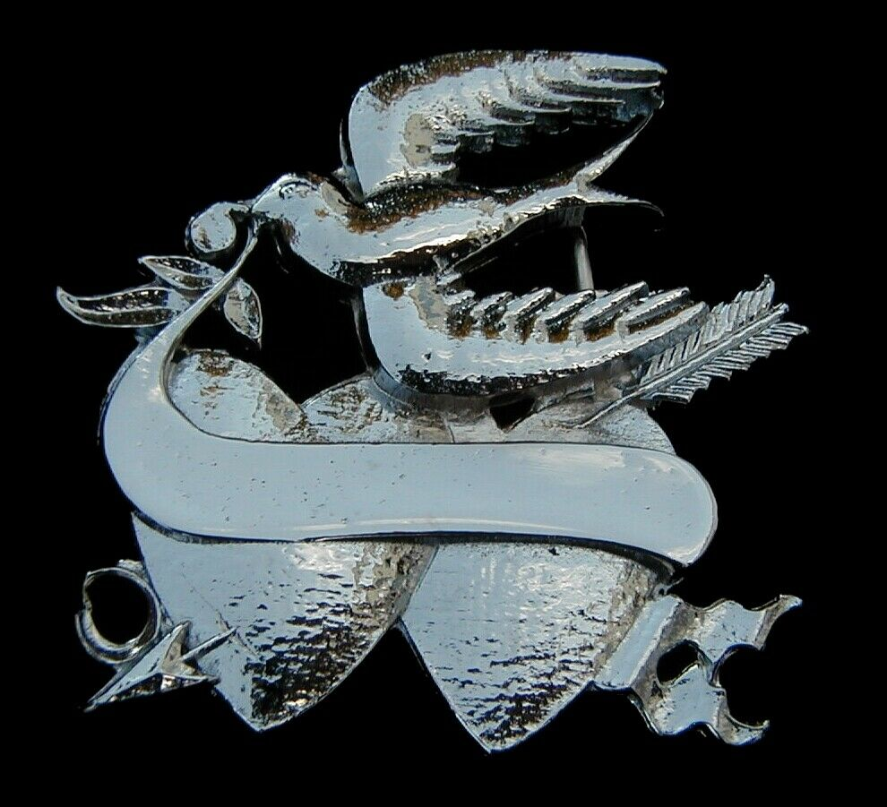 SPARROW WITH HEARTS BELT BUCKLE WITH ENGRAVABLE AREA AND CHROME FINISH NEW