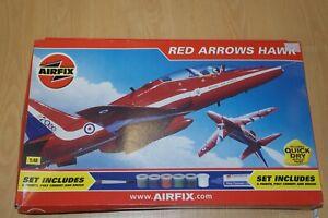 AIRFIX-1-48-RED-ARROWS-HAWK-GIFT-SET-05111G