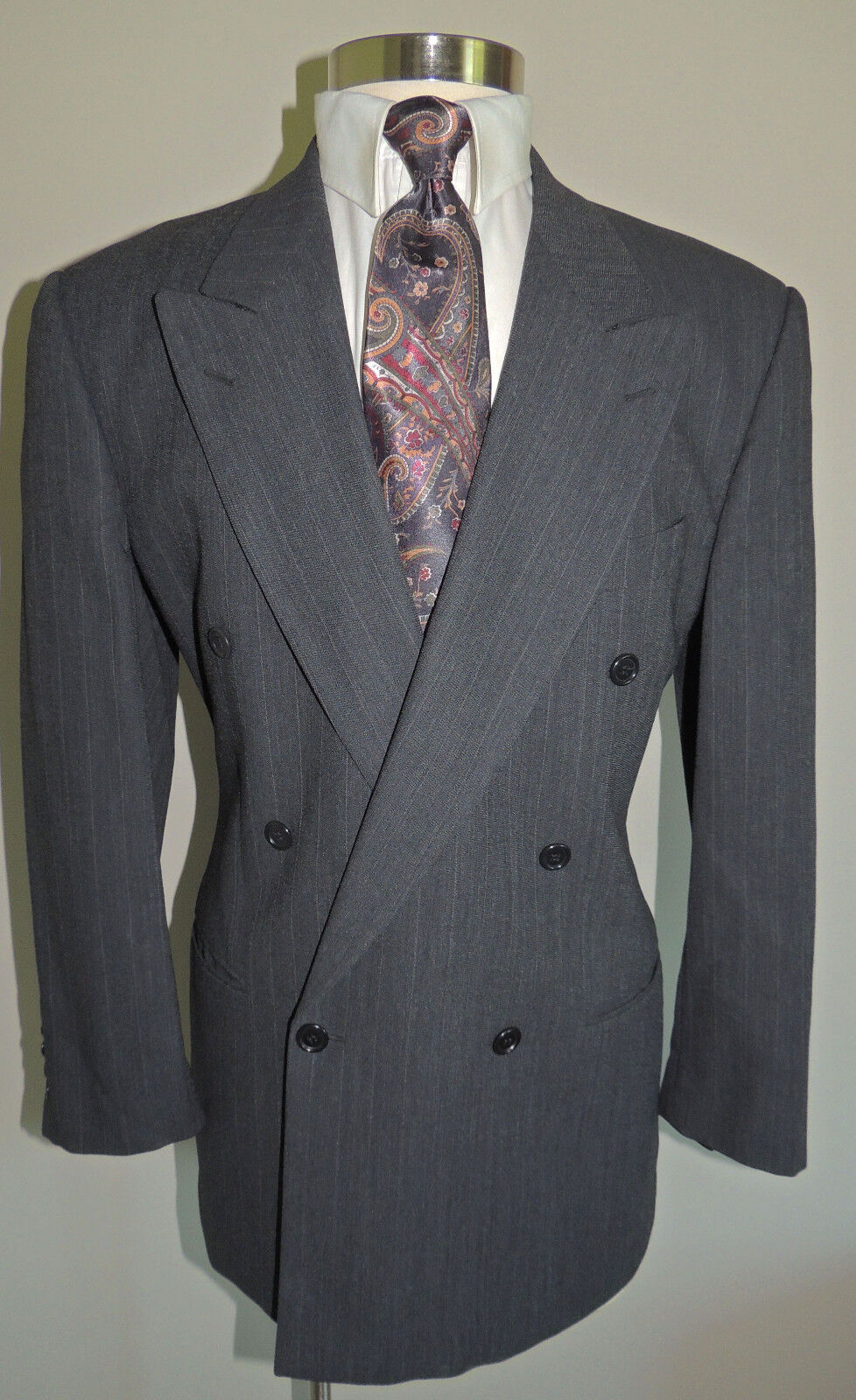 VALINTINO men CHARCOAL PINSTRIPE DOUBLE BREASTED WOOL SPORT COAT 40R