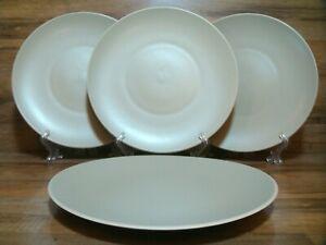 "SET OF 4 - WEDGWOOD - VERA WANG - NATURALS LEAF - 11 1/8"" DINNER PLATES - EUC"