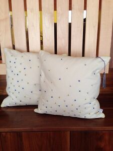 NWT Throw Pillows 2 Ivory Cotton French Knots Yellow Blue