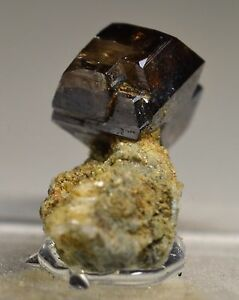 RARE-unusually-large-ANATASE-Crystal-Rte-55-Near-Richmond-QUEBEC-CANADA
