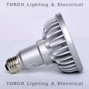 LED - SORAA VIVID PAR30 00779 SP30L-18-09D-9<wbr/>30-03 18.5W 3000k 9° Lamp Light Bulb