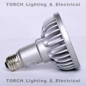 LED - SORAA VIVID PAR30 00779 SP30L-18-09D-9<wbr/>30-03 18.5W 3000k 9° Lamp Light Bulb