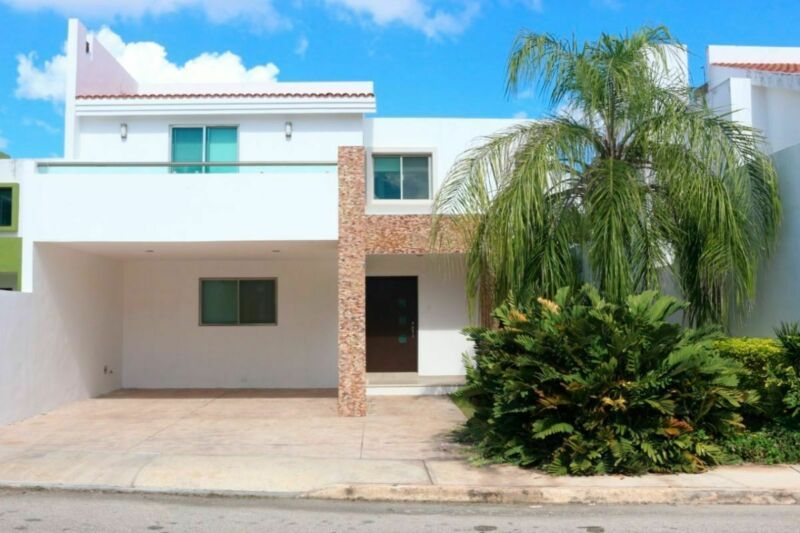 Casa en venta/renta de 3 recámaras y piscina en Altabrisa al norte de Mérida