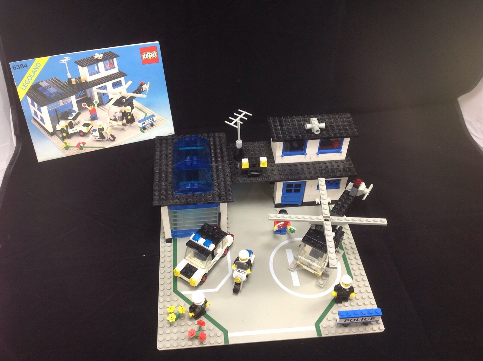 Lego 6384 Police Station from 1983 100% Complete Vintage
