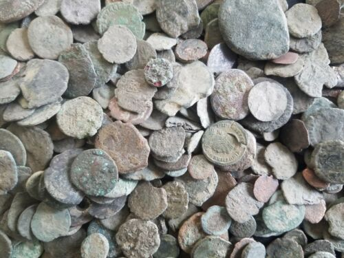 Very Low Grade Junk Ancient Roman Coins LOT OF 2 330 A.D Constantine