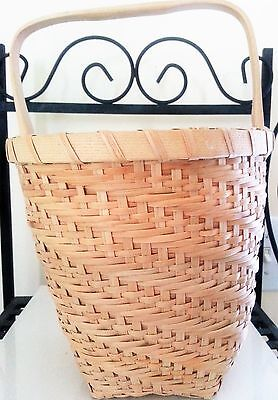 WONDERFULLY Woven Medium Size Natural Basket with Handle