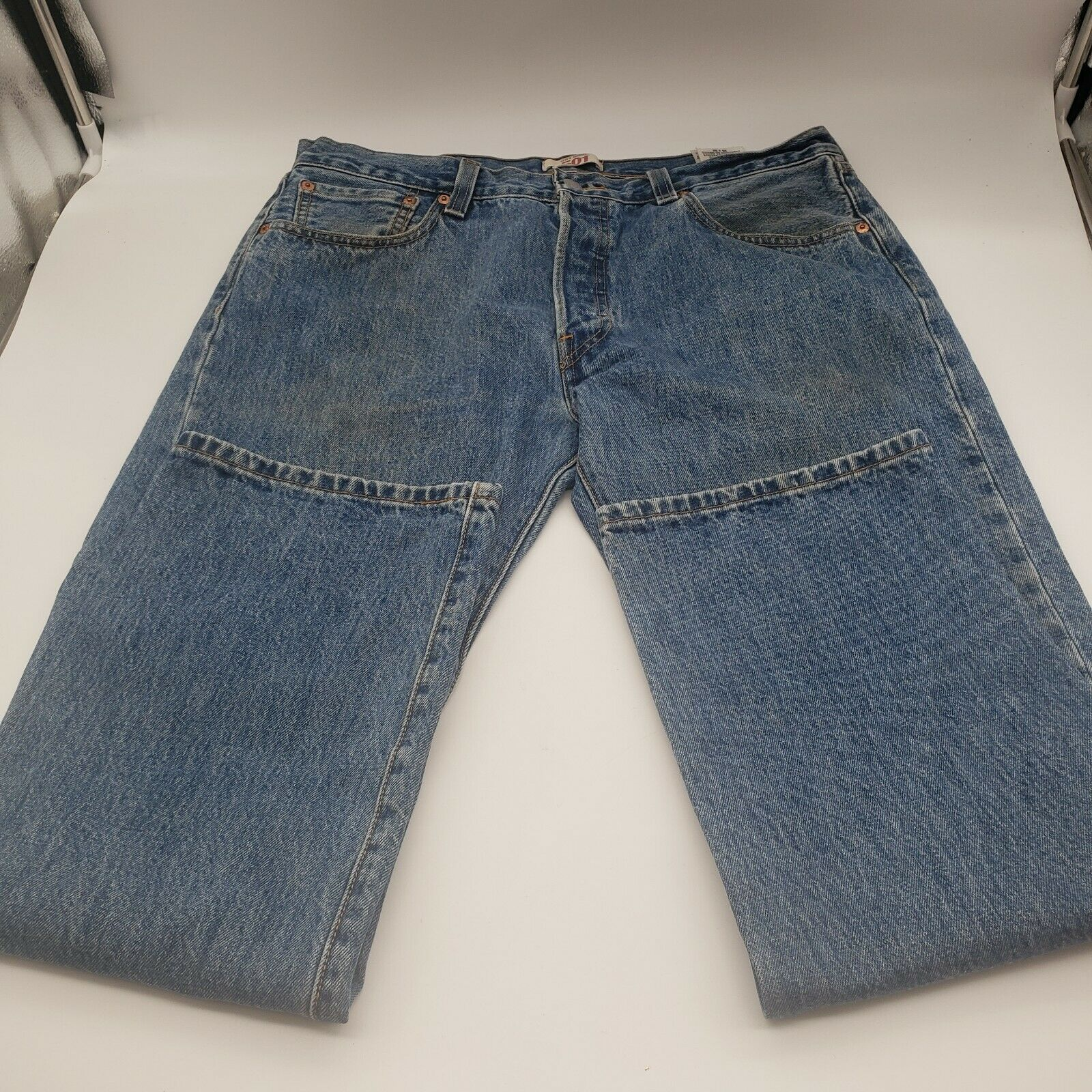 Levis 501 Button-Fly Mens 35x30 Well Worn Faded D… - image 10