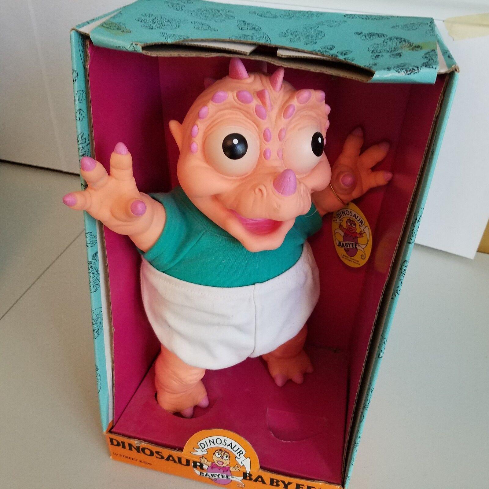Dinosaur Babyee Doll street kids 12  1991 New in box diaper Grün NIB cute tags