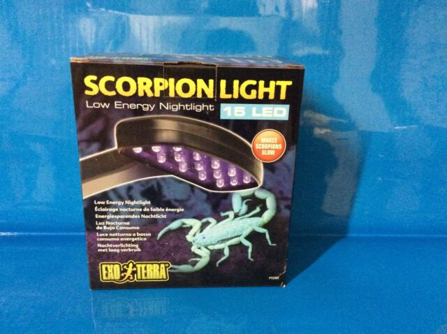 Exo Terra Scorpion Light 2 W 15 LED makes Scorpions GLOW