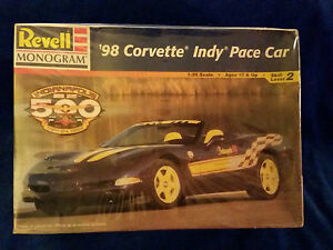 1998-Revell-039-98-Corvette-Indy-500-Pace-Car-1-25-scale-model-new-sealed