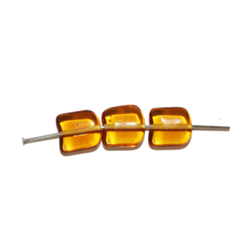 pack of 18 Amber Fishtail Czech Pressed Glass Beads 11mm