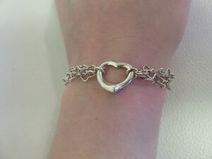 Sterling-Silver-Bracelet-on-7-034-Chain-with-Heart-Links-Love-Romance-Gift