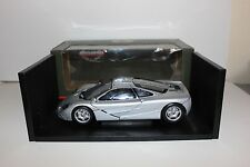 UT 1/18 McLaren F1 Roadcar Silver (read)