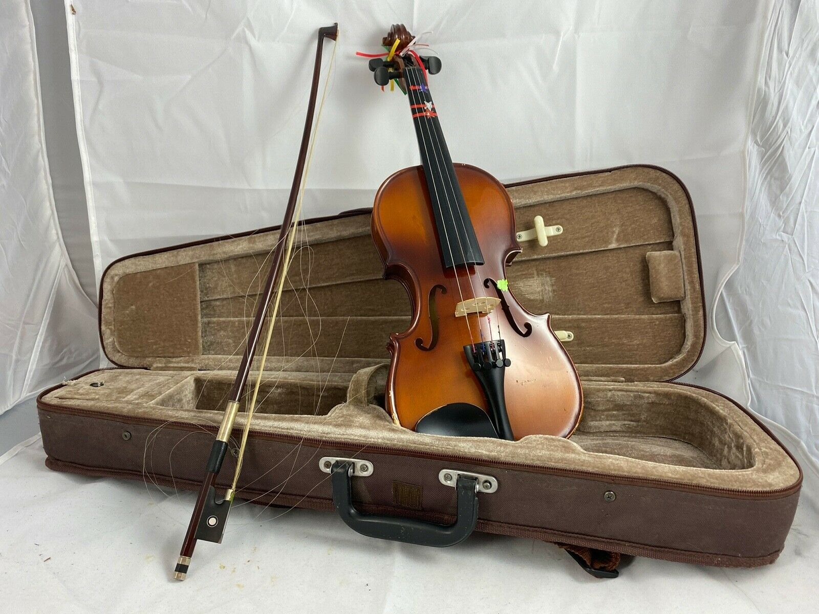 Cervini HV-150 Novice Violin Outfit 4//4 Size