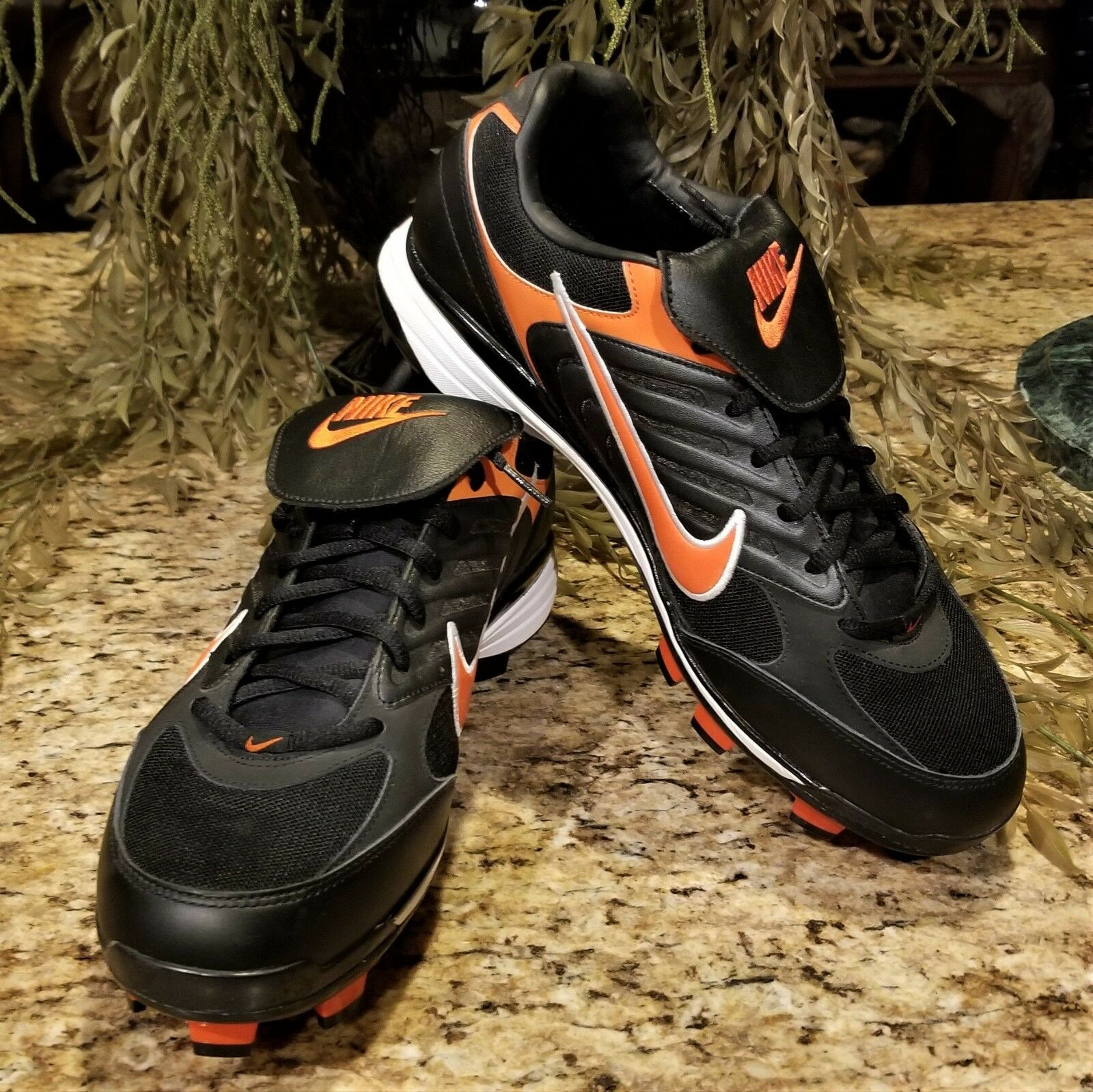 New 2007 Nike Zoom Air Clipper Air Zoom Black & orange Athletic Cleats 314817
