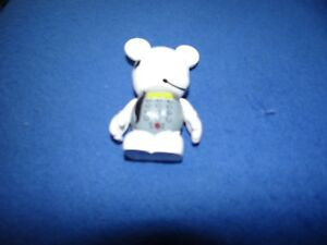 Disney-Vinylmation-Occupations-Series-Admin-Assistant-From-2011