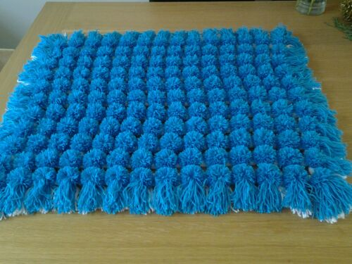 Frame//loom to make pom pom blankets 38 x 26 inches