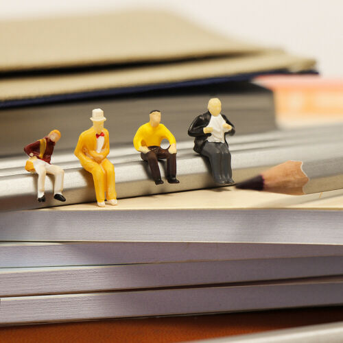 100Stk Spur H0 1:87 Sitzende stehende Figuren Modellbausatz Passagiere