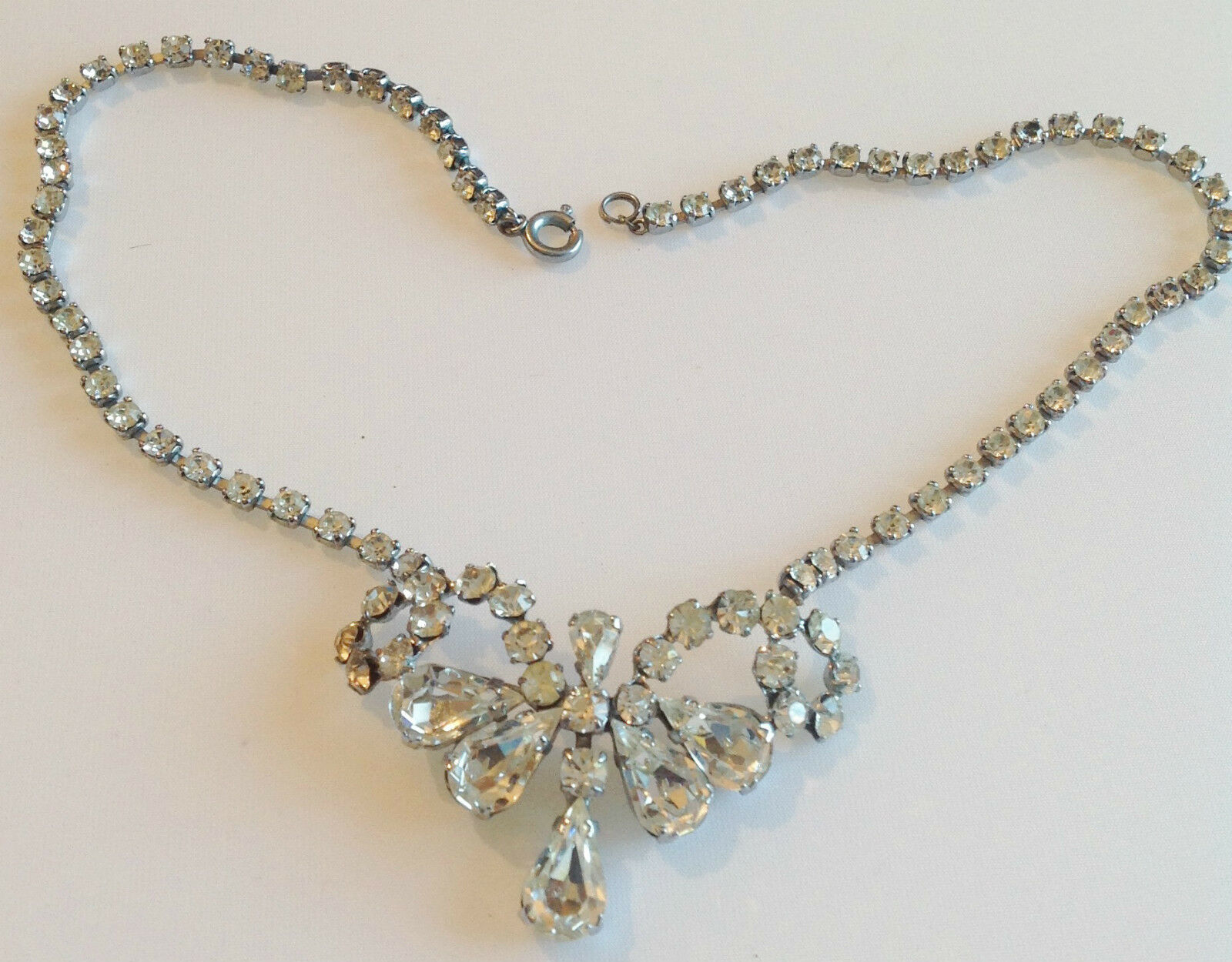 Collier ancien  tout de solitaire cristaux diamant déco central brillance 274