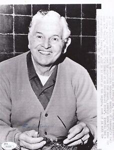 Earl-Averill-Signed-8x10-B-amp-W-Baseball-Promo-Press-Photo-JSA-Authenticated-HOF
