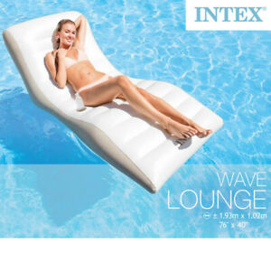 Intex-Luftmatratze-Wave-Lounge-Schwimmliege-fuer-Pool-Wasserliege-Poolliege-Sitz