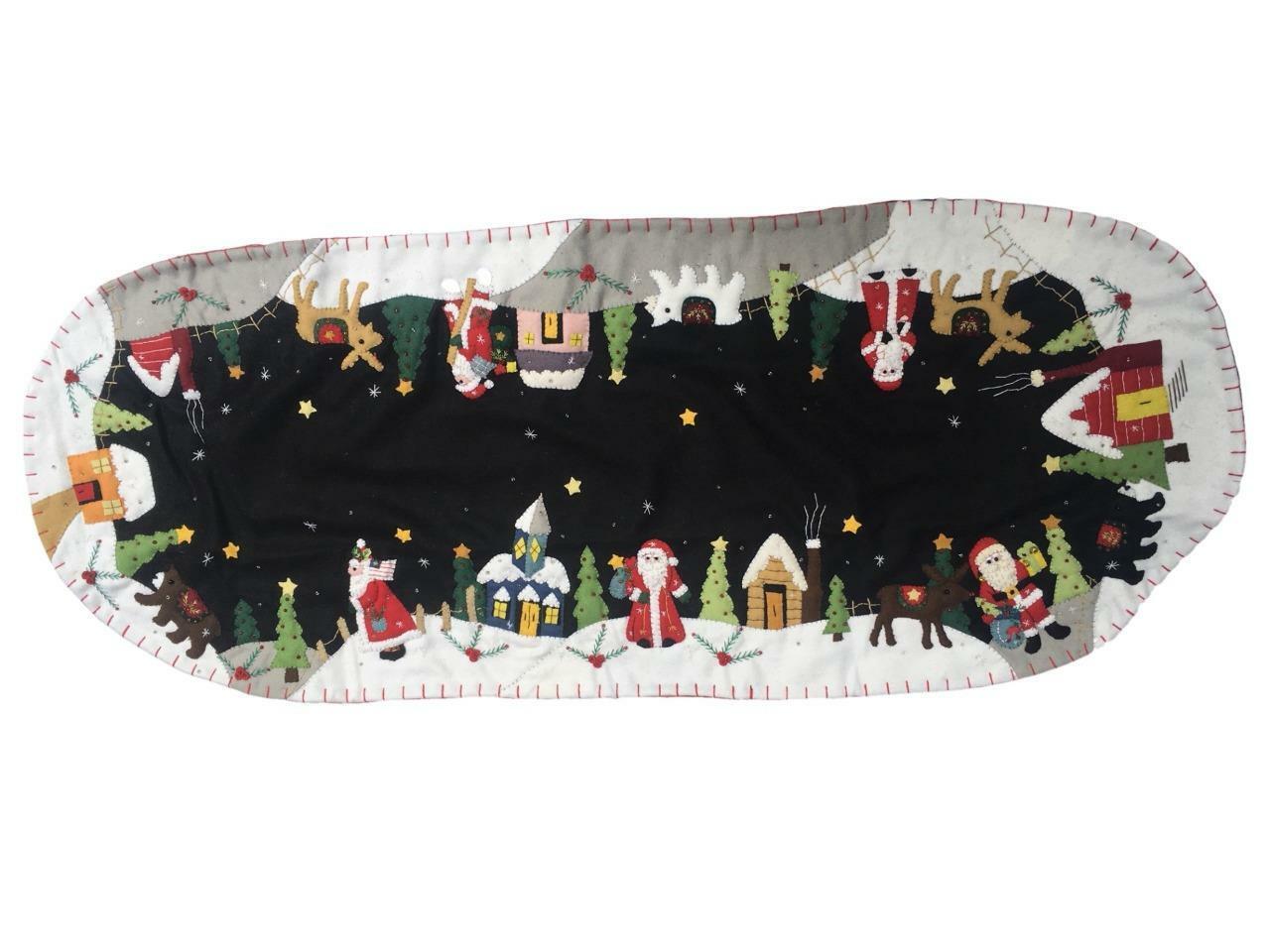 Santa dans village sur fond noir handmade christmas Table Runner