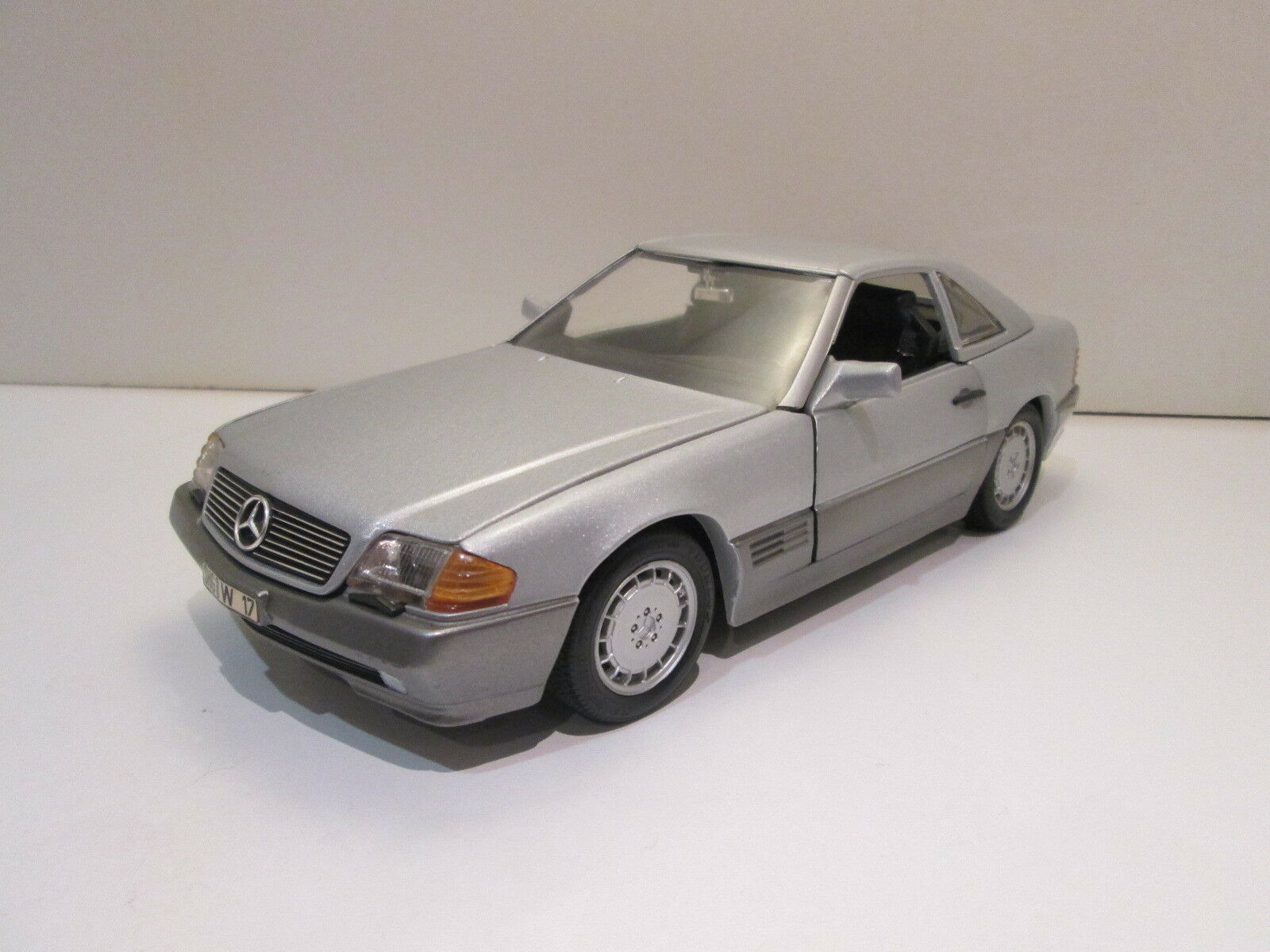 1 18 Mercedes-Benz SL500 R129 de 1993 - Revell Revell Revell - Improved (leather seats,...) 18b487