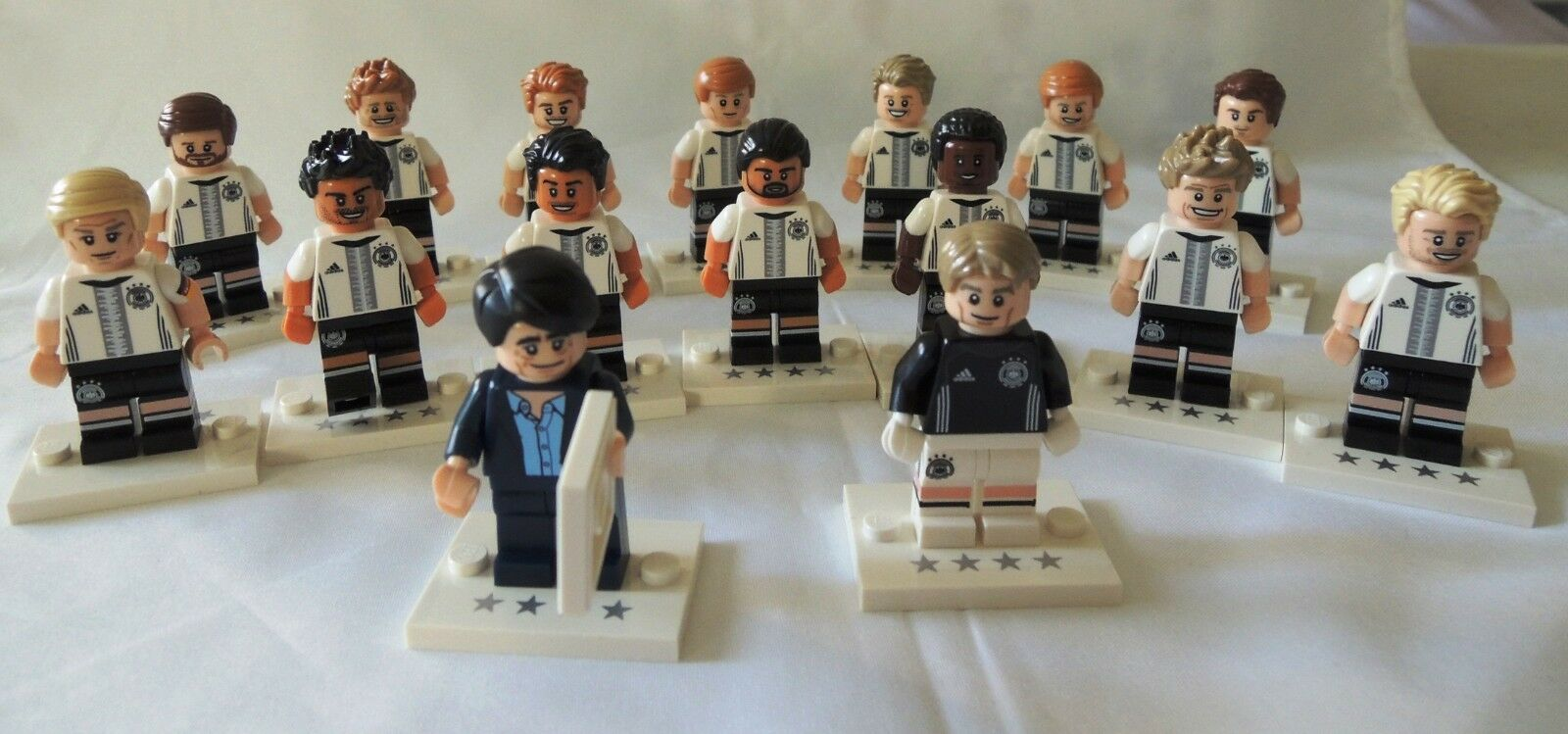 LEGO 71014 Complete Set of 16 DFB (German Soccer Team) MINIFIGURES SERIES