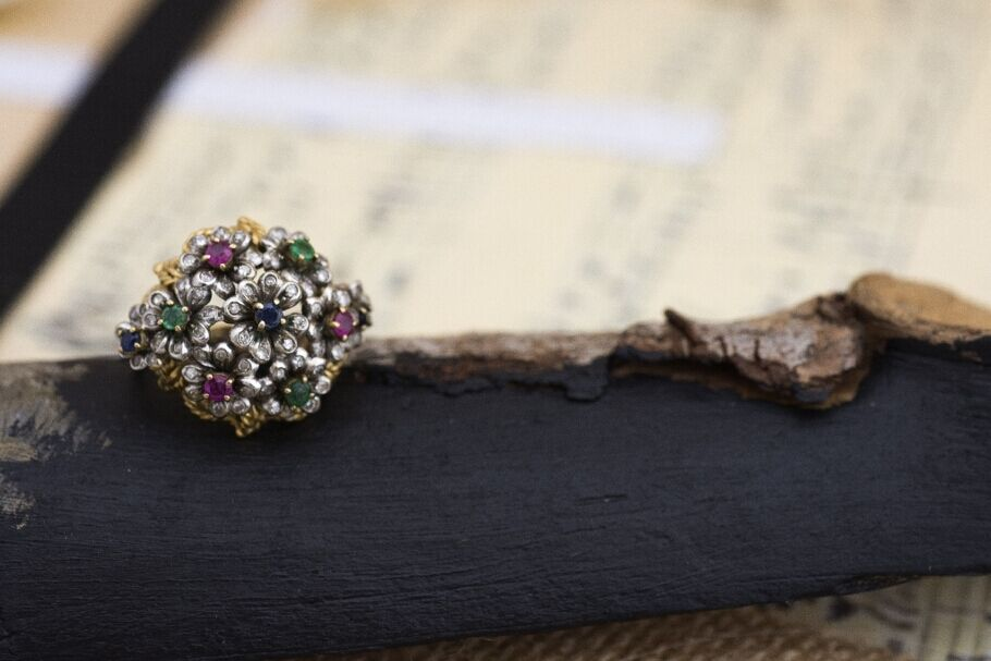 18K gold Flower Ring with Diamonds, Rubies, Emeralds and Sapphires